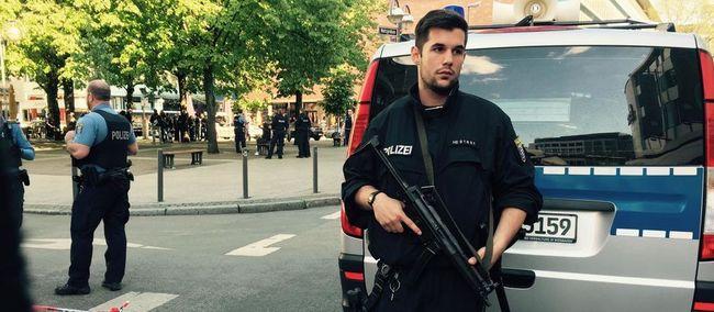 Lövöldöztek egy frankfurti kávézónál, több ember megsérült