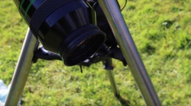 Disznó szemgolyójával mutatja be egy csillagász, miért nem szabad a Napba nézni - videó