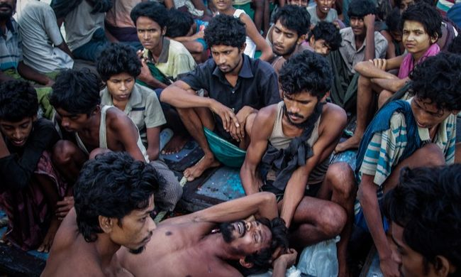 Felgyújtják magukat a migránsok az embertelen körülmények miatt, súlyosbodik a válság