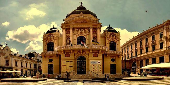 Pécsi Nemzeti Színház (Fotó: www.poszt.hu)