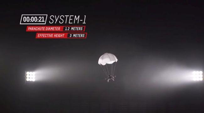 Nincs több zuhanás, ejtőernyőt kapnak a drónok - videó