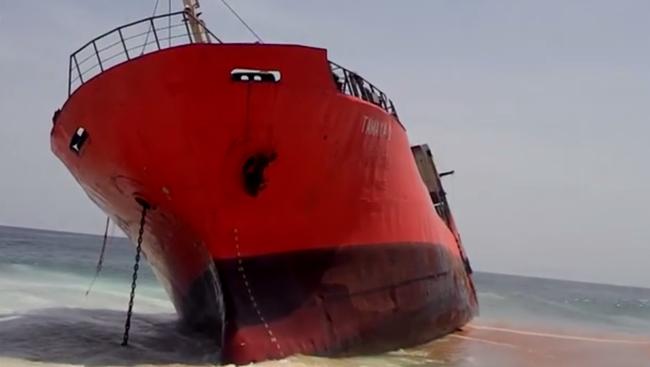 Szellemhajó sodródott a libériai partokra, senki sem volt a fedélzeten - videó