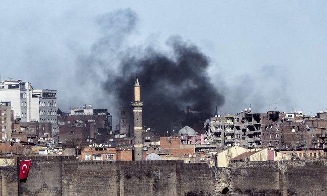 Élve égettek el embereket a török biztonsági erők szemtanúk szerint