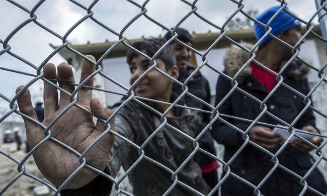 Cseh rendőrök segítenek majd a migránsok ellen Magyarországon