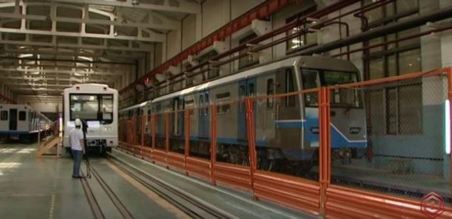 Ilyen lett az első felújított metrókocsi - videó
