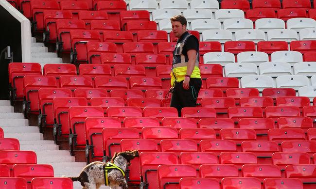 Robbantottak a Manchester United stadionjában