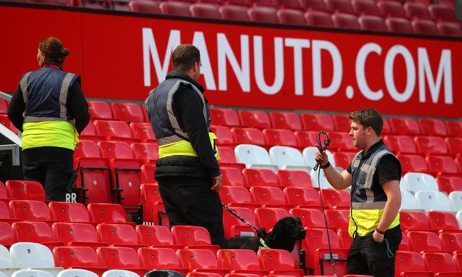 Álbomba volt a Manchester United stadionjában, véletlenül hagyták ott