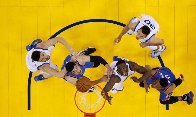 Kikapott a címvédő az NBA rájátszásában