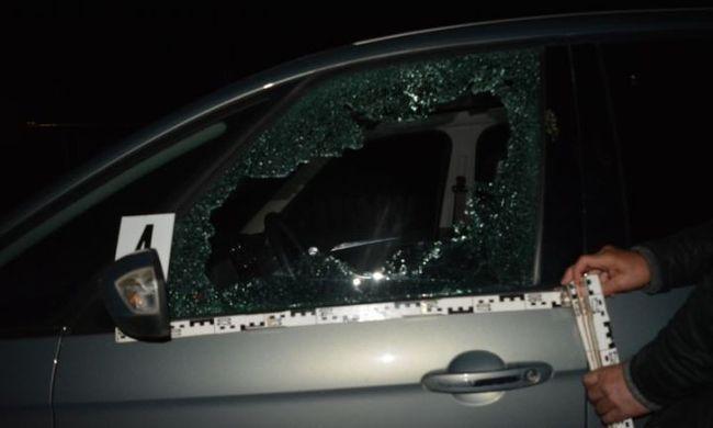 Összevagdosta a sofőr arcát a berobbanó üveg