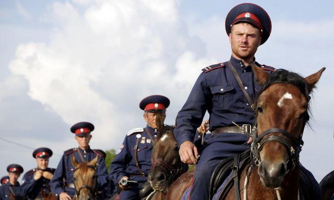 Takarodjatok a földünkről! - kiabálták a kozákok az orosz ellenzéknek
