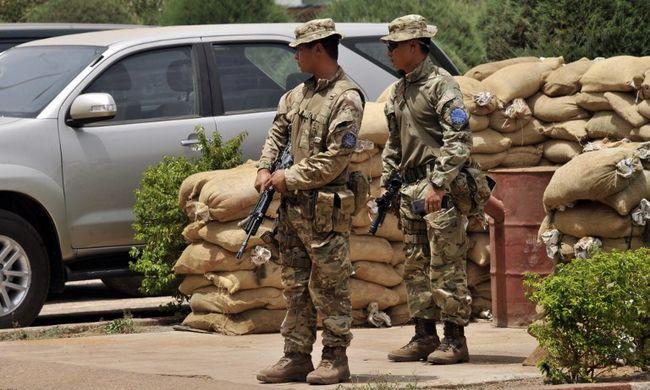Még két évig maradnak a magyar katonák Maliban