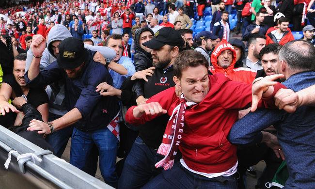 Összeverekedtek a Liverpool és a Sevilla szurkolók a döntő előtt - videó