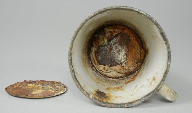 70 évig volt a múzeumé a bögre, karbantartáskor derült ki, hogy kincset rejt