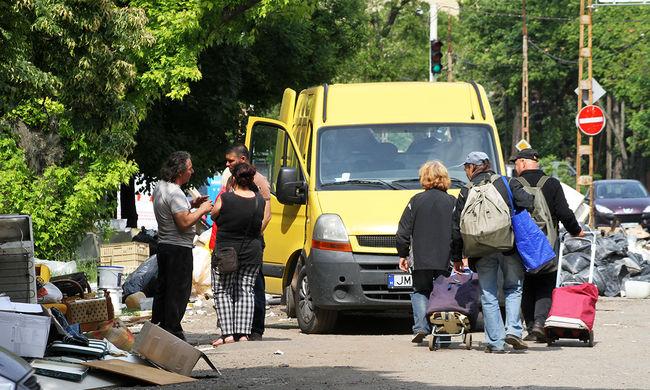 Kincsekre vadásznak a lomisok Budapesten