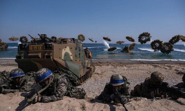 Amerikai-dél-koreai hadgyakorlat kezdődött a Koreai-félszigeten