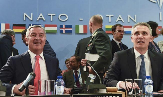 Mégis maradnak a NATO-katonák Afganisztánban
