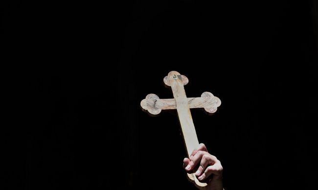 Ittas vezetésen kapták a püspököt