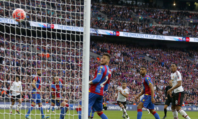 A Manchester tíz emberrel nyerte meg az FA-kupát