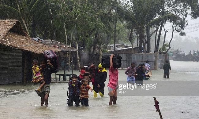 Pusztító ciklon miatt százezren hagytál el az otthonaikat