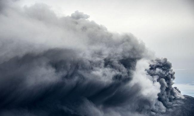 Jelentősen kisebb lett a pusztító vulkán, a kitörése több száz halálos áldozatot követelt