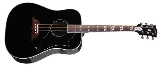 Elvis Presley gitárját több mint 93 millió forintért adták el