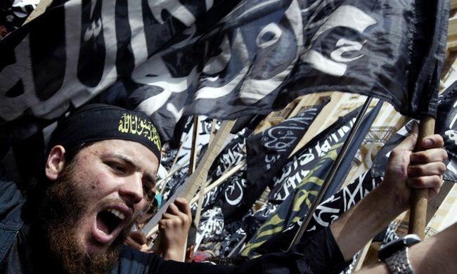 Kitörhet a terrorháború: egymás ellen fordul a világ két legnagyobb terrorszervezete