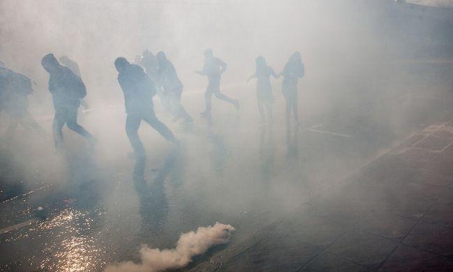 Már halálos áldozata is van az erőszakos tüntetéseknek Chilében - képgaléria