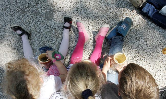Több tucat zsák játékot gyűjtött a gyerekeknek a honvédség