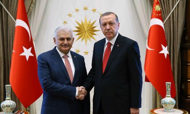 Megalakult az új török kormány