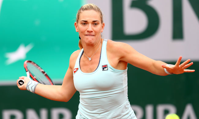 Bejutott a Roland Garros második körébe a magyar teniszező