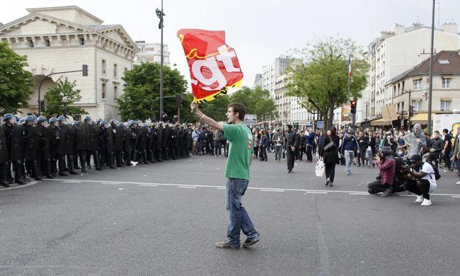 Kezd káosz lenni Franciaországban