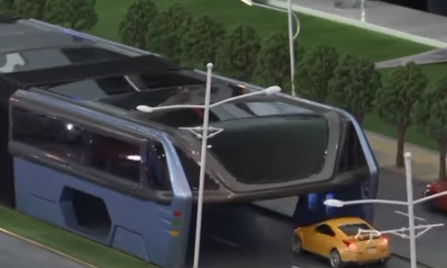 Autókat elnyelő buszokkal oldaná meg Kína a közlekedési dugókat - videó