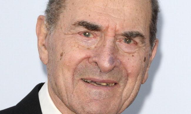 Végre kipróbálta élesben 96 évesen egy fuldoklón a Heimlich-fogást Henry Heimlich