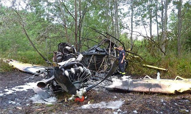Lezuhant egy szúnyogirtó kisrepülőgép, a pilóta megsérült