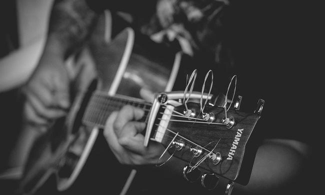 Titkos találkákra jártak: kisdiákkal volt viszonya a Heves megyei gitároktatónak