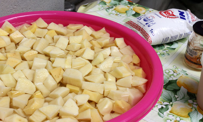 Krumplisalátát ettek a rendezvényen: szörnyű görcsök törtek a vendégekre