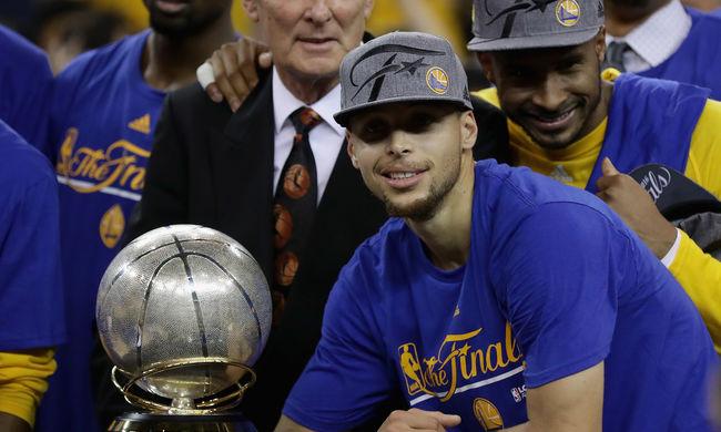 Fordított a címvédő, Golden State-Cleveland döntő lesz az NBA-ben