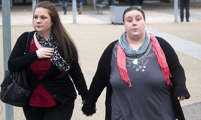 Ez a leszbikus pár gyilkolta meg a 2 éves kisfiút, megrepedt a szíve
