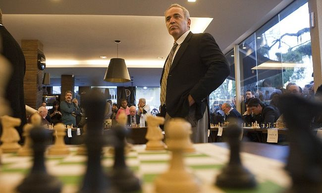 Kaszparov: korrupt a sakkvilágszövetség
