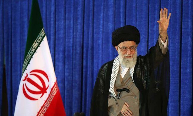 Iráni vezető: kizárt az együttműködés az Egyesült Államokkal a válság ügyében