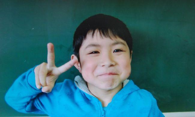 Hat napig nem evett a kisfiú, akit szülei büntetésből egyedül hagytak egy erdőben