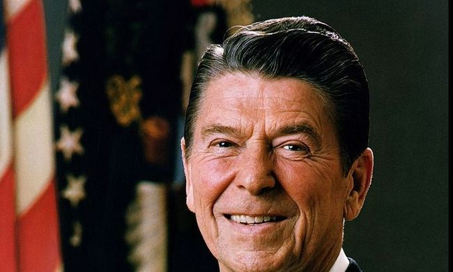 Elárverezik a volt amerikai elnök bútorait