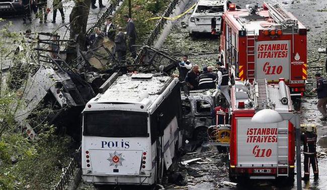 Isztambuli pokolgép: nőtt a halálos áldozatok száma, négy ember őrizetben