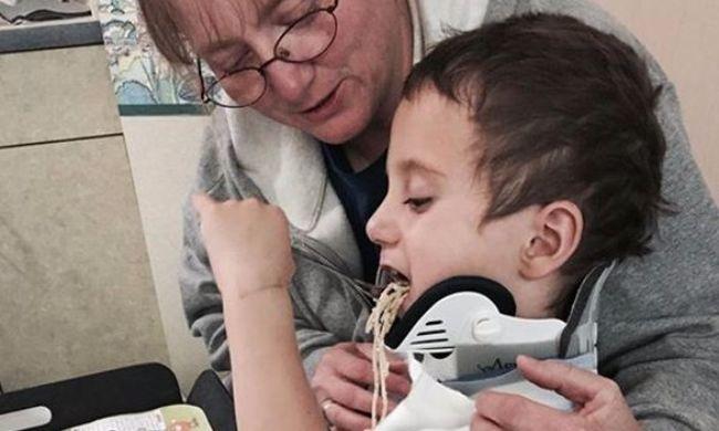 Teljesen felgyógyulhat az autóbalesetben lefejezett kisfiú