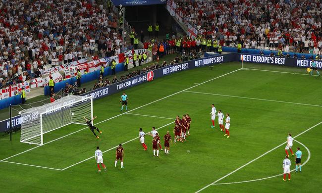 Az oroszok az utolsó pillanatokban sokkolták Angliát a foci Eb-n