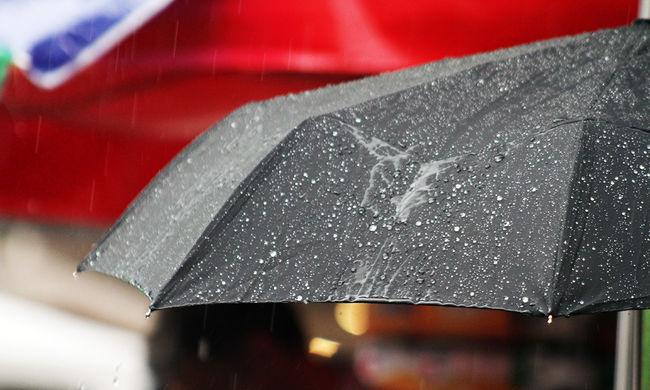 Riasztást adtak ki: nagy esőre és szélviharra készüljön