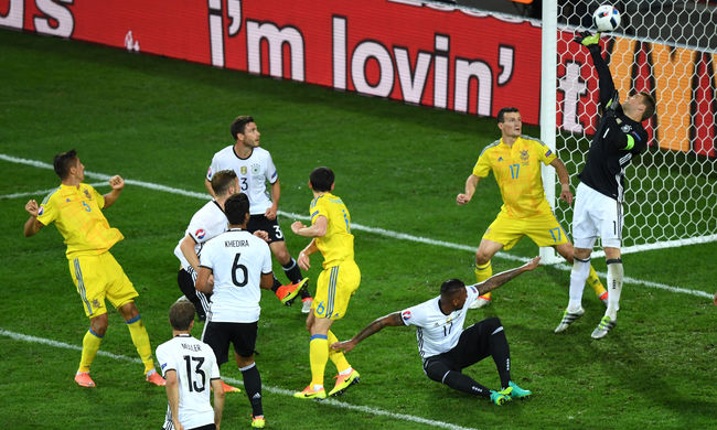 Szűkös győzelemmel nyitott Németország az Eb C-csoportjában