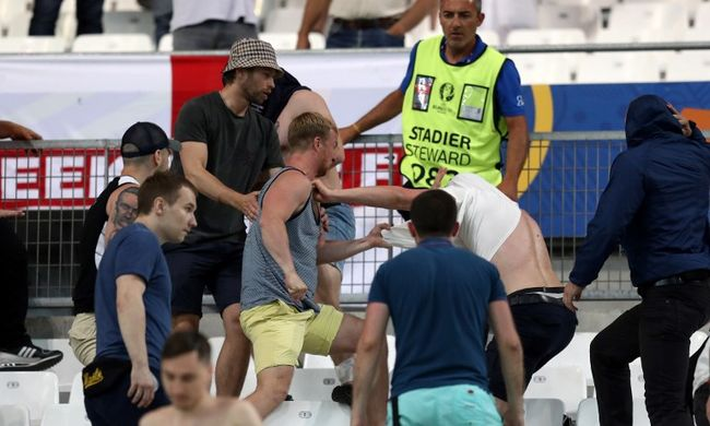 A stadionban verekedtek a nézők, vizsgálat indul Oroszország ellen