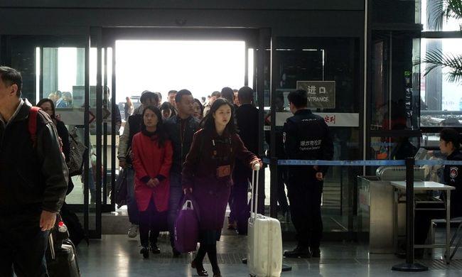 Házilag készített bomba robbant a reptéren, a támadó megpróbálta elvágni saját torkát