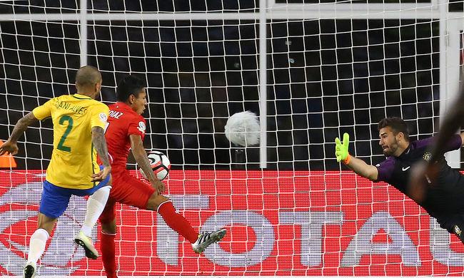 Peru kézzel ütött góllal küldte haza a brazilokat a Copa Américaról - videó
